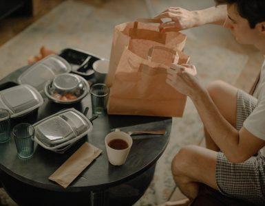 Какви са предимствата да поръчаме храна за вкъщи?
