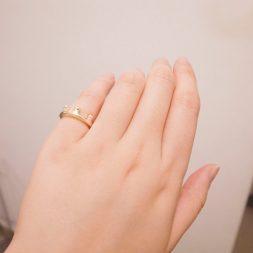 Носенето на пръстен на малкия пръст